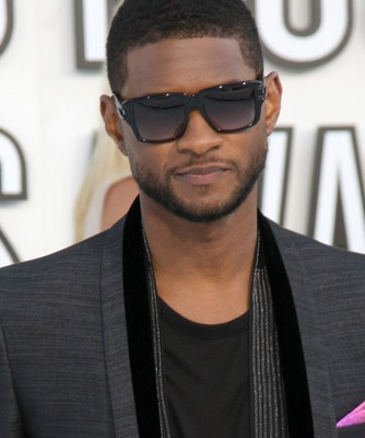 Katie: Usher Vs Michael Jackson, Clive Davis & Usher First Stage Name