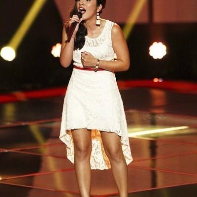The Voice: Cáthia Goes Team Shakira & Sarah Simmons Joins Team Adam