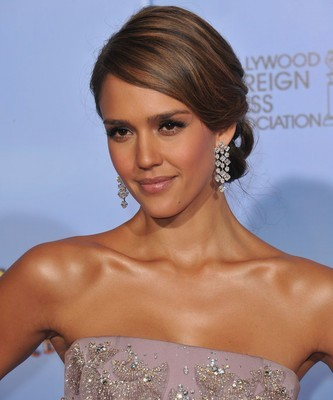 The Drs: Avoid Skin Cancer + Jessica Alba Past Health Issues