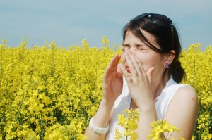 The Doctors: Spring Allergy Symptoms & Claritin Antihistamine Review