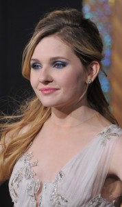 Kelly & Michael: Abigail Breslin The Call & Working With Meryl Streep