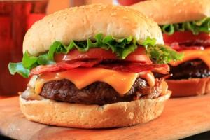 GMA: Rachael Ray Tex-Mex Bacon Cheeseburger Recipe & Chipotle Ketchup