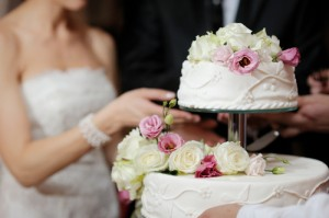 KLG & Hoda: Average Wedding Costs $28,000 & Ways to Save on a Wedding