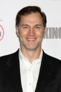 Late Show: David Morrissey Walking Dead & David Byrne and St. Vincent