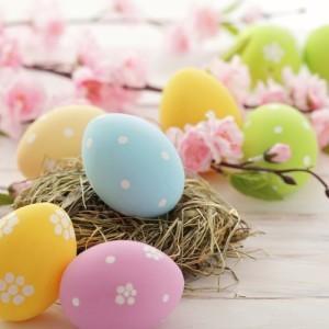 KLG & Hoda: Balloon Easter Eggs, Glitter Eggs & Carrot Pen Craft Idea