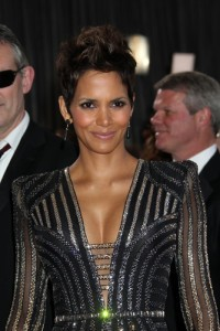 Steve Harvey: Halle Berry The Call & When Should Teens Start Dating?
