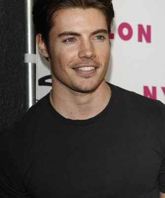 "Kelly & Michael: Josh Henderson ""Dallas"" & Working With Larry Hagman"