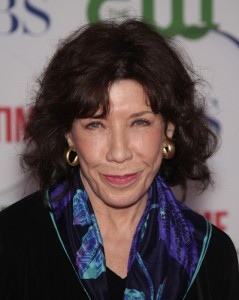 """GMA: Lily Tomlin Malibu Country Role & ZZ Ward """"365 Days"""" Song Review"""