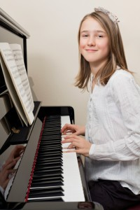 Today's Stars of Tomorrow: Painter Joshua Chase & Pianist Maria Sarah