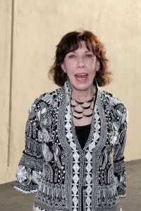 The Talk: Lily Tomlin Ernestine Wig, Cheerleading & Admission Review