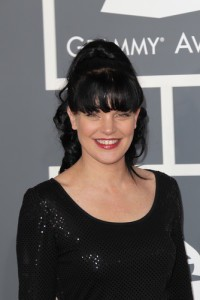 The Talk: Pauley Perrette Socks & Out of the Closet Grammy Dress