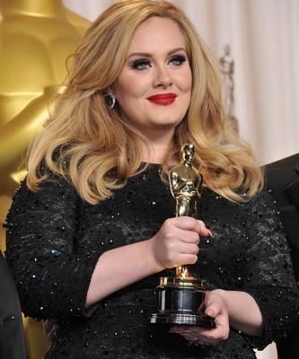 Late Night: Adele Wedding, Spider-Man 2 Passover & OJ Miniseries