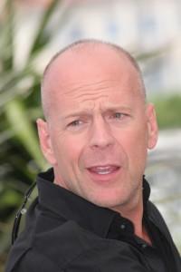 Kelly & Michael: Bruce Willis Die Hard, Anne Hathaway & Adam Levine