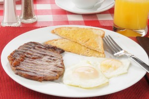 GMA: Emeril's Steak and Egg Panini & 13th Annual Mother's Day Contest