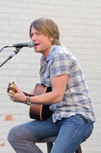 Ellen: Keith Urban Phoenix Cologne Commercial & Savannah Guthrie Frogs
