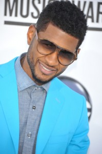 "Live!: Usher ""The Voice"" Judge & Karaoke Sing-Off With Michael Strahan"