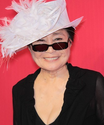 CBS: Man Impersonates U.S. Airways Pilot & Yoko Ono Gun Control Tweets