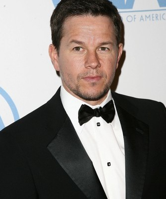 "Ellen: Mark Wahlberg ""Lone Survivor"" + How He Loses Weight For A Role"