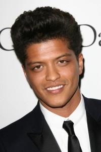 Ellen: Bruno Mars Unorthodox Jukebox Tour & Ted Danson Perfect Husband