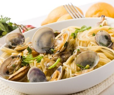 KLG & Hoda: Curtis Stone Angel Hair Pasta with Clams & Radishes Recipe