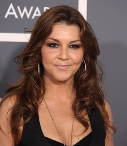 "KLG & Hoda: Gretchen Wilson Performs ""Still Rolling"" Off Right on Time"