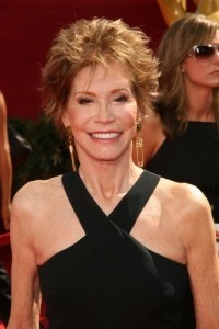 GMA: Mary Tyler Moore Show Reunion & Remedies For Younger-Looking Hair