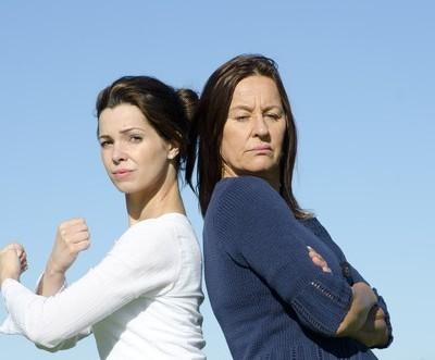 Dr Phil: Mother-Daughter Feuds & Dangers Of Meeting Strangers Online