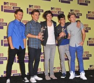Ellen: One Direction Life Size Cutout & Andy Zebor's Aussie Pub Quiz