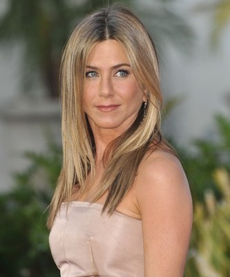 GMA: Jennifer Aniston Diet Secrets & Is Lindsay Lohan Back In Rehab?