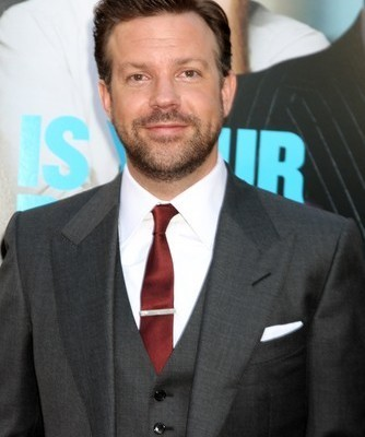 Jason Sudeikis came by Ellen to talk about his new movie Horrible Bosses and to play a hilarious game of Heads Up with his mom. (Helga Esteb / Shutterstock.com)