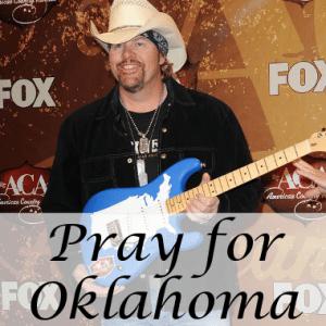 GMA: Queen Elizabeth & Toby Keith Send Prayers to Tornado Victims