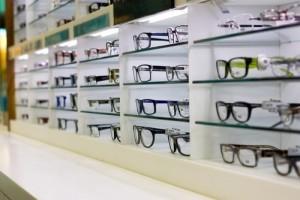 60 Minutes: Designer Eyewear, Barca Soccer & Colombian Drug Cartels