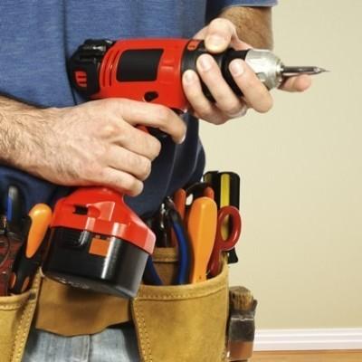 Steve Harvey: Hot Hunks of Built Share Handyman Tricks & Harvey's Hero