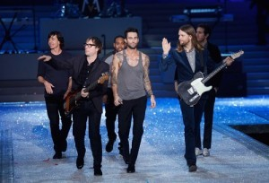 Today Show: Maroon 5, Paternity Leave, GMO Foods & Duggar Grankids