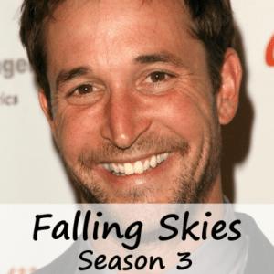 The View: Noah Wyle Falling Skies Season 3 Review & Belief In Aliens