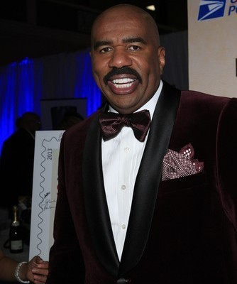 Steve Harvey came by The Chew to talk about his new book Act Like a Success, Think Like A Success and to help Mario Batali make a special Grilled Balsamic Portobello Mushrooms with Soft Polenta recipe.. (Joe Seer / Shutterstock.com)