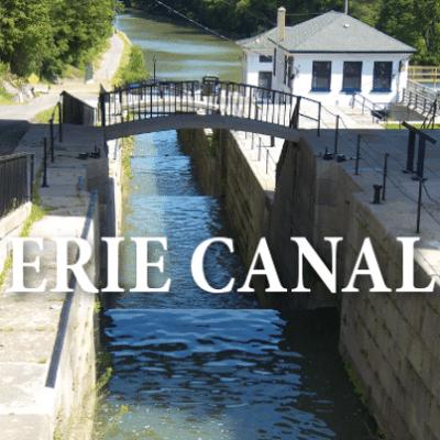 Sunday Morning: Erie Canal Opening, Oscar de la Renta + Ben Bradlee